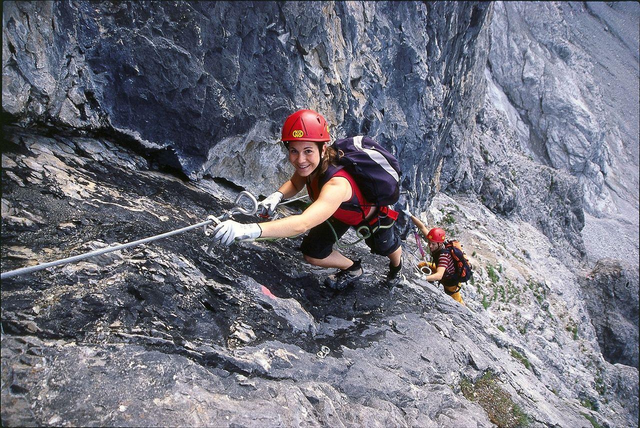 Klettersteig Piz Mitgel : Senda ferrada piz mitgel verticala via ferrata